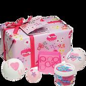 Bild: Bomb Cosmetics More Amour Geschenkset