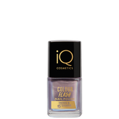 Bild: iQ COSMETICS Colour Flash Nail Polish iridescent lilac