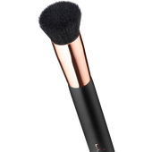 Bild: L.O.V EVENELEGANCE Foundation Brush