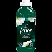 Bild: Lenor Weichspüler Smaragd & Elfenbeinblüte