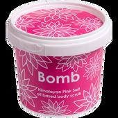 Bild: Bomb Cosmetics Himalayan Pink Salt oil based body scrub