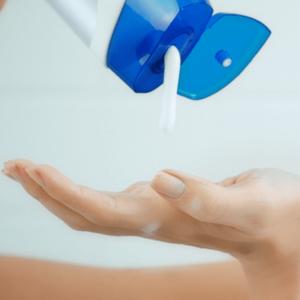 Bild: head & shoulders Sensitive bei empfindlicher Kopfhaut Shampoo