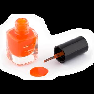 Bild: MAX FACTOR Max Effect Mini Nagellack bright orange