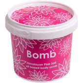 Bild: Bomb Cosmetics Himalayan Pink Salt oil based body scrub