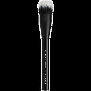 Bild: NYX Professional Make-up Pro Dual Fiber Foundation Brush