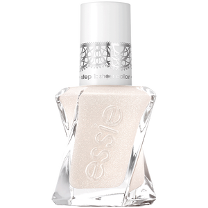 Bild: Essie Sheer Fantasy Collection Nagellack lace is more