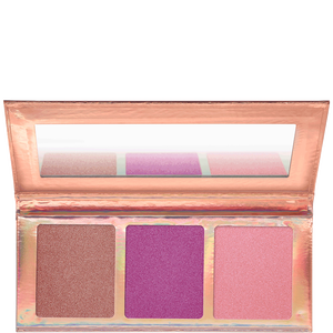 Bild: essence go for the glow highligher palette 02