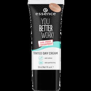 Bild: essence Tinted Day Cream 'You better work!' 20