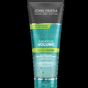 Bild: JOHN FRIEDA Luxurious Volume Inner Power Protein-Conditioner