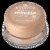 Bild: essence Soft Touch Mousse Make Up matt sand