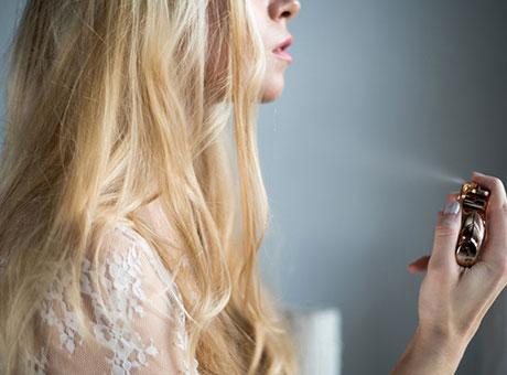 Wie man Parfum richtig (auf)trägt
