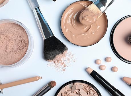 Make-Up, Primer, Puder uvm.