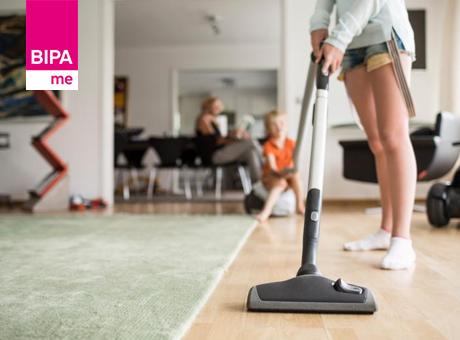 Wohnzimmer richtig putzen: So geht's